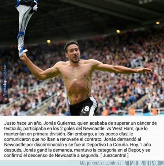 855354 - Jonas Gutiérrez, el futbolista que, tras un cancer, la vida por fin le ha sonreído