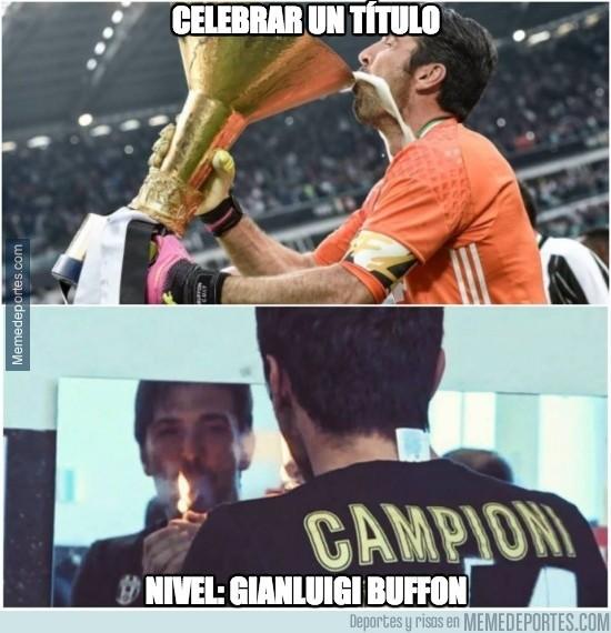 857619 - Buffon lo celebra todo como un señor