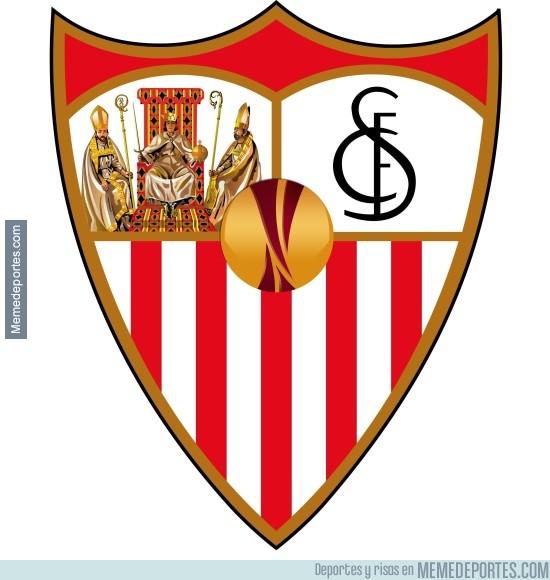 858512 - Sevilla presenta su nuevo escudo para la próxima temporada