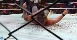 Enlace a Momento de la noche: Dean Ambrose lanza a Chris Jerico sobre chinchetas en el xtreme rules