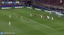 Enlace a GIF: GOOOOOOL de Ramos que adelanta al Real Madrid en la final