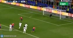 Enlace a GIF: El penalti fallado de Griezmann