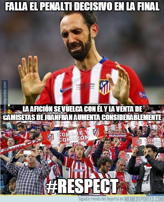 866177 - La afición del Atlético demuestra cuando quieren a Juanfran