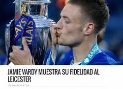 Enlace a Vardy jurando lealtad al Leicester es lo más falso que vas a ver esta semana