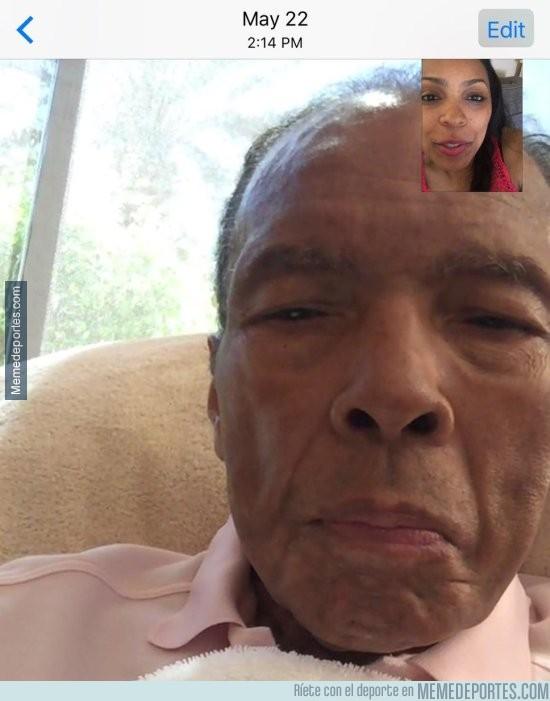 869486 - Hija de Muhammad Ali publica última imagen de su padre en vida