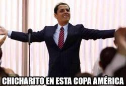 Enlace a Chicharito petándolo en la Copa América