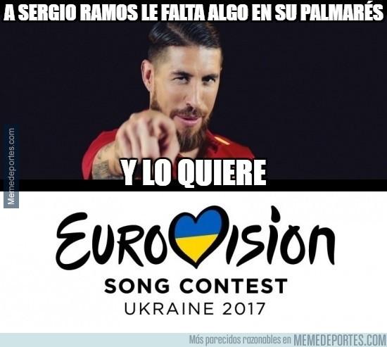 870367 - Sergio Ramos canta y compone el himno de la roja