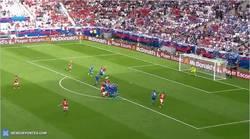 Enlace a GIF: Goooooooooolazo de Bale para Gales de falta directa