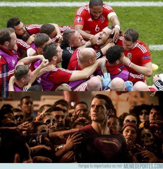 871524 - Gareth Bale y Superman: Parecidos más que razonables
