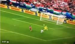 Enlace a GIF: Así ha sido el golazo de Hungría para el 2-0 definitivo