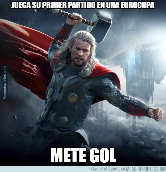 873766 - Thor se la saca en el debut de Islandia