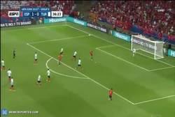 Enlace a GIF: Y Gooool de Nolito que pone el 2-0 en el marcador