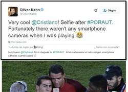 Enlace a El tweet de Kahn dando gracias a Dios de que en su época no había smartphones