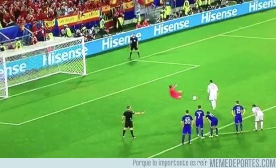 878471 - Imágenes de la repetición del penalti de Ramos contra Croacia
