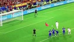 Enlace a Imágenes de la repetición del penalti de Ramos contra Croacia