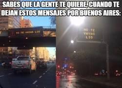 Enlace a Mira cómo Buenos Aires se llena con infinidad de carteles apoyando a Messi