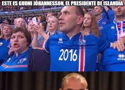 Enlace a El presidente de Islandia apoya a la selección con todos los aficionados