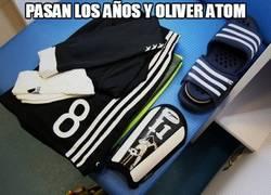 Enlace a Özil, fan máximo de Oliver Atom