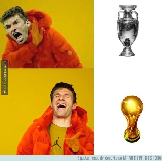 887861 - Müller con la selección