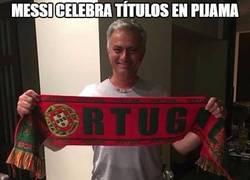 Enlace a Mourinho en pijama
