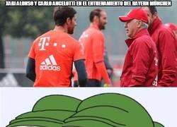 Enlace a Xabi Alonso y Carlo Ancelotti en el entrenamiento del Bayern München
