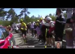 Enlace a Froome sube el mont ventoux corriendo después de quedarse sin bici