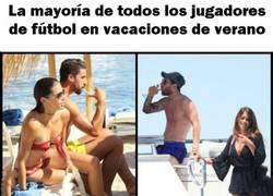 Enlace a Comparamos las vacaciones de los futbolistas con las de Buffon