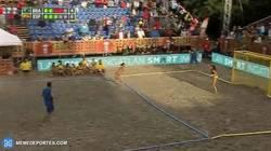 Enlace a GIF: Y con este gol en el shoot-out, España se proclama campeona del mundo de balonmano playa