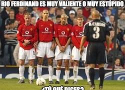 Enlace a Rio Ferdinand es muy valiente o muy estúpido