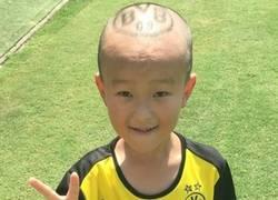 Enlace a Este peinado no le va a durar mucho al pobre niño