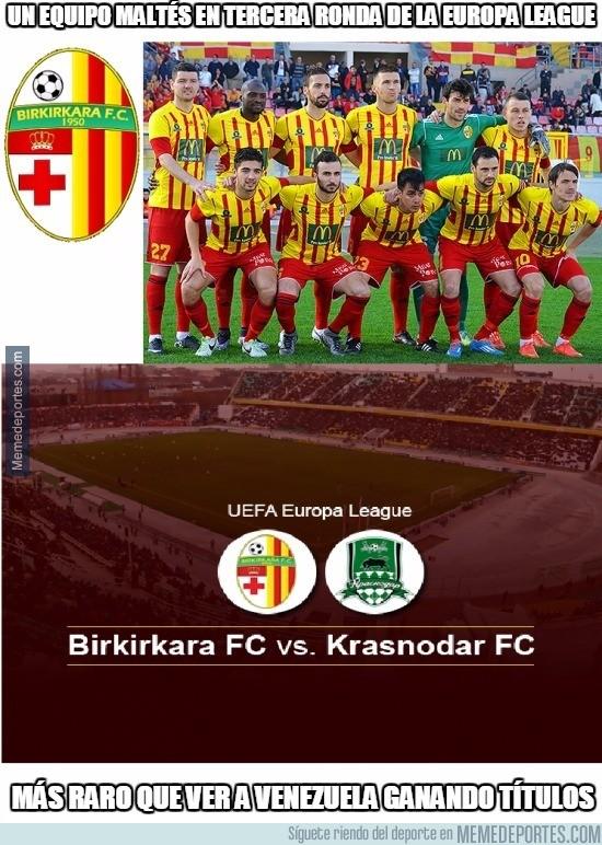 892958 - Milagro en el fútbol maltés. Un equipo pasando dos rondas en competición europea