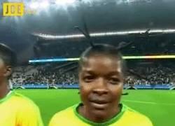 Enlace a GIF: Impresionante, el look más raro de los Juegos Olímpicos