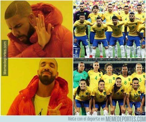 895794 - De momento, la Selección femenina de Brasil, es la que da la cara por el fútbol brasileño