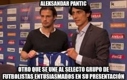 Enlace a Aleksandar Pantic es todo alegría