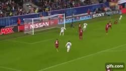 Enlace a GIF: ¡El hombre de las finales! Ramos lo empata en el minuto 92 ante el Sevilla!
