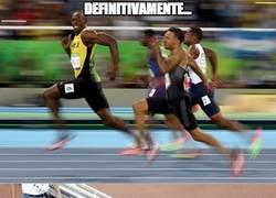 Enlace a Usain Bolt sonriendo a cámara... ¡Imparable!