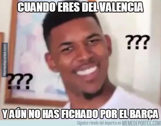 898360 - Andan extrañados en Valencia