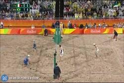 Enlace a El mejor punto de la final en voley playa, ¡y del torneo!