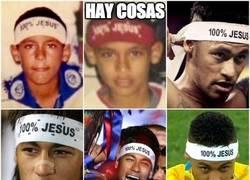Enlace a Neymar y su tradición al ganar trofeos