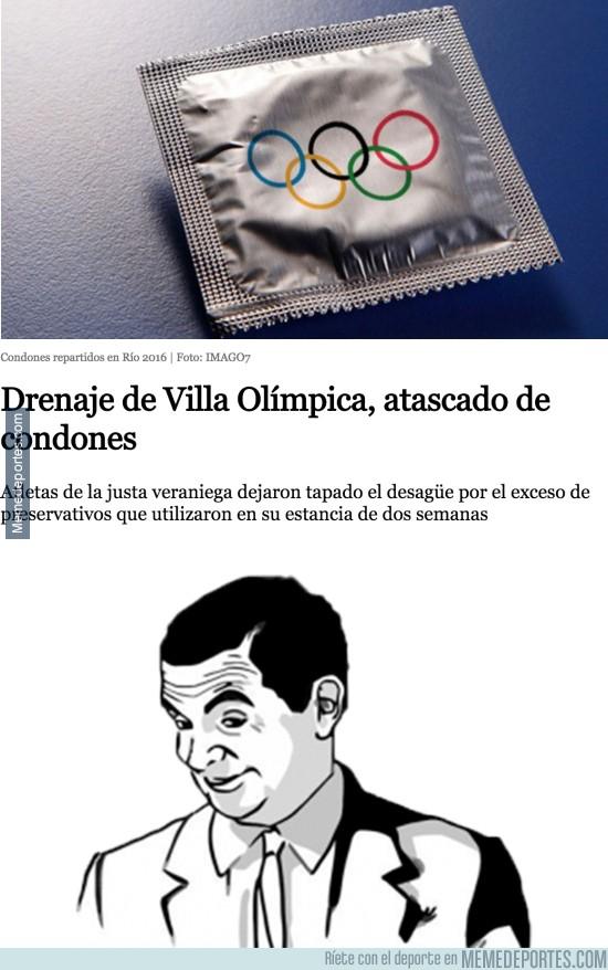 900702 - Menuda fiesta se pegaron los deportistas en Brasil