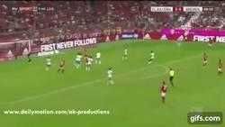 Enlace a GIF: ¿Empieza la Bundesliga? Xabi Alonso nos regala este golazo ante Werder Bremen
