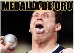 Enlace a La cara de un lanzamiento de medalla de oro