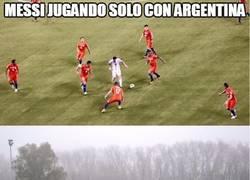 Enlace a Pobre Messi con Argentina...