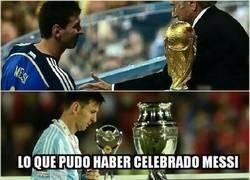Enlace a Lo que pudo haber celebrado Messi y lo que terminó celebrando