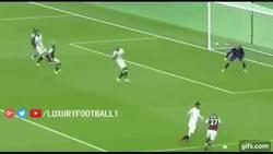 Enlace a GIF: ¡Payet la sigue rompiendo! Atentos a la asistencia de rabona para Antonio ante el Watford