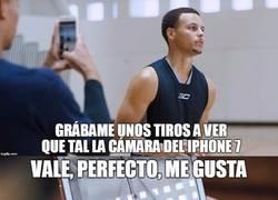Enlace a Stephen Curry no se comprará el nuevo iPhone este año