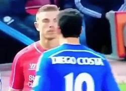 Enlace a Henderson intimidando a Costa, alguien no valora lo suficiente su vida