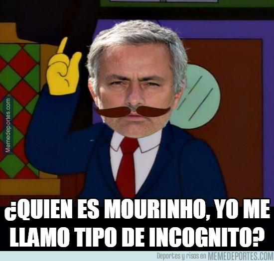 908902 - Mourinho al preguntarle quien es el culpable de todo en el United