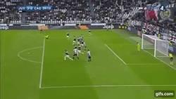 Enlace a GIF: Dani Alves se estrena con la Juventus, ante el Cagliari