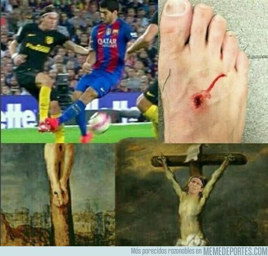 910661 - Filipe Luis recordándonos a nuestro señor en la Cruz